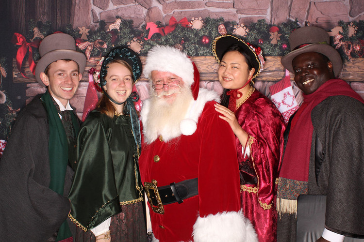 Carolers_for_hire_los_angeles