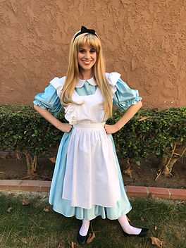 Alice_in_Wonderland_Party_Character