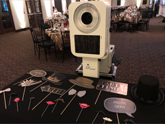 Great_gatsby__themed_photo_booth_props