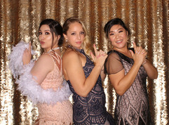 Great_gatsby_themed_wedding_photo_booth.