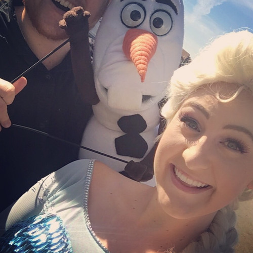Elsa_and_Olaf_Party_Characters.JPG