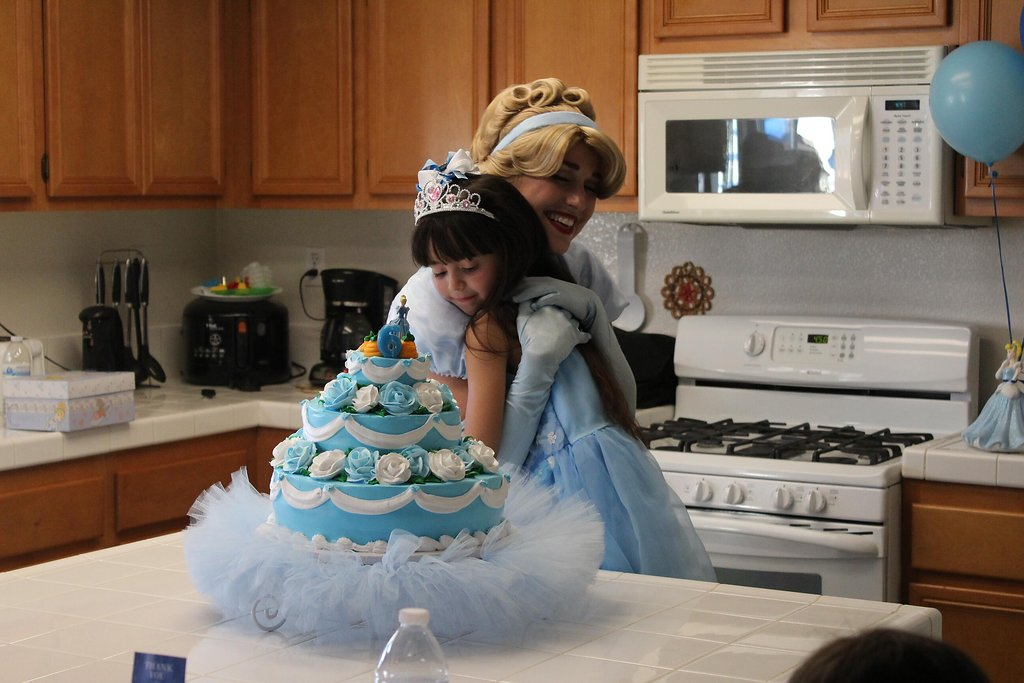 Cinderella character with bday girl