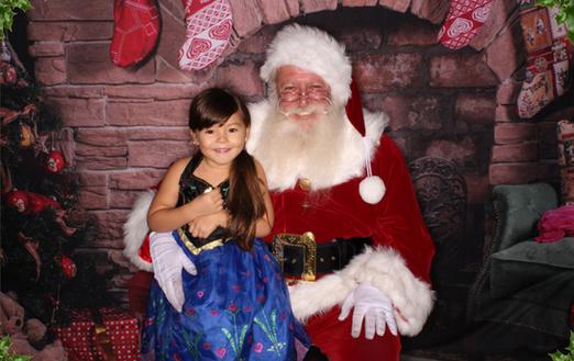 Christmas_Santa_photo_booth_LA_edited.pn