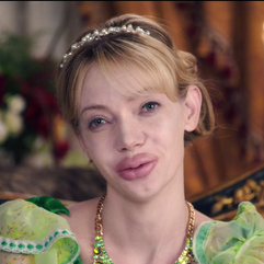 Prosthetic Lips on Riki Lindhome - Another Period