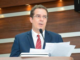 Após tratamento, Rodrigo Paixão volta à Câmara Municipal