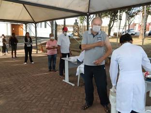Campanha de vacinação contra a gripe em Louveira vai até terça-feira, 30