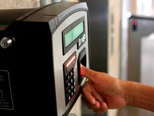Câmara adotará ponto eletrônico obrigatório a todos os funcionários
