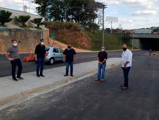 Vereadores propõem abertura de nova faixa de rodagem na Estrada da Capela