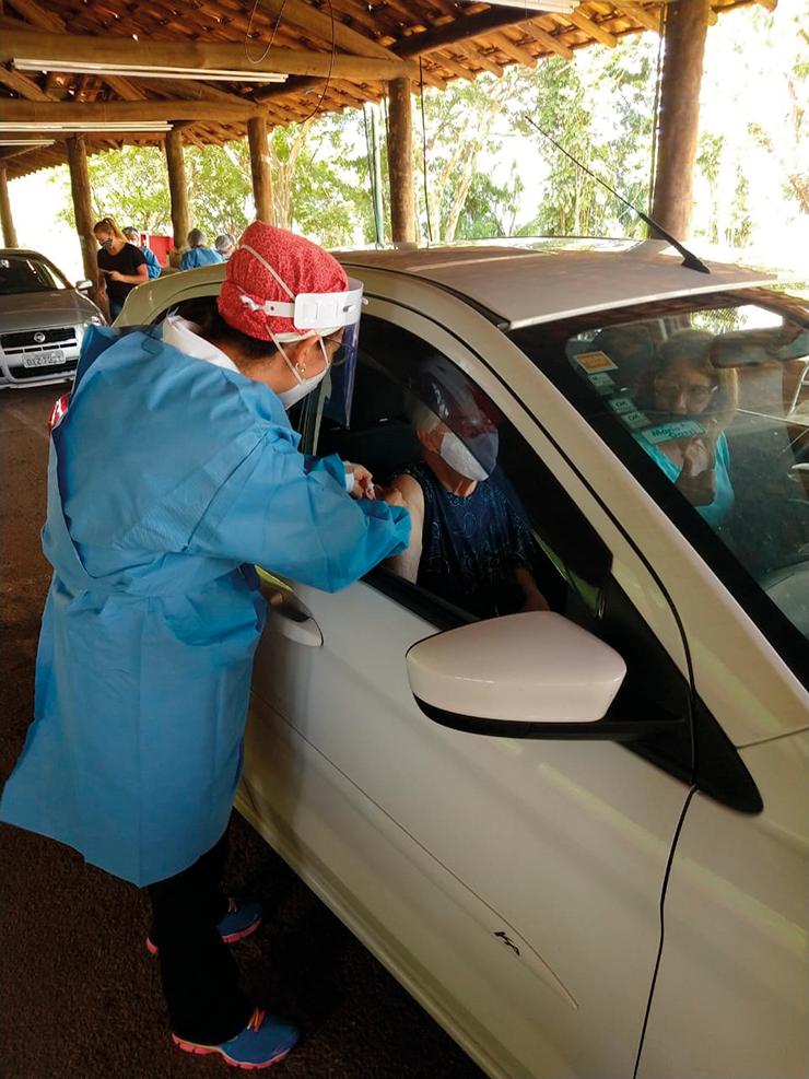 Começa vacinação de idosos com 80 anos ou mais VINHEDO