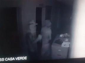Câmeras flagram tentativa de furto à UBS Casa Verde