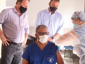 Louveira inicia vacinação contra covid-19