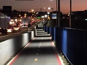 Prefeitura realiza testes na nova Iluminação da Ciclovia na Romildo Prado