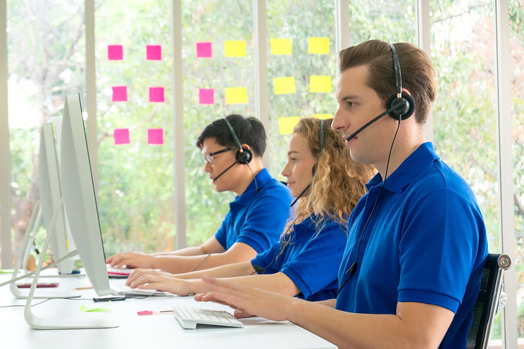 call-center-staff-in-blue-t-shirt-worker