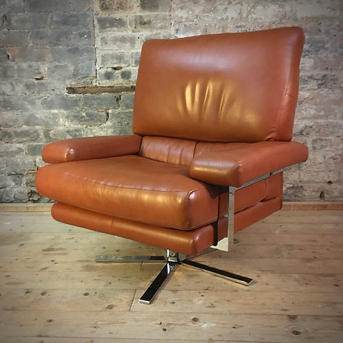 Pieff 'Valentino' Leather swivel recliner