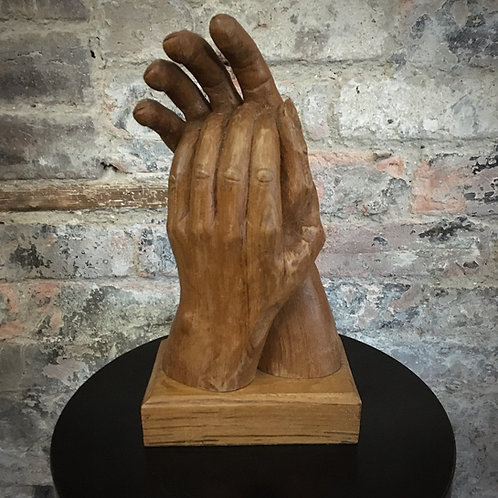 Hand carved Chestnut wood Sculpture 'Applause'