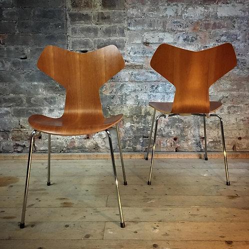 Arne Jacobsen Grand Prix chairs, Cherry finish