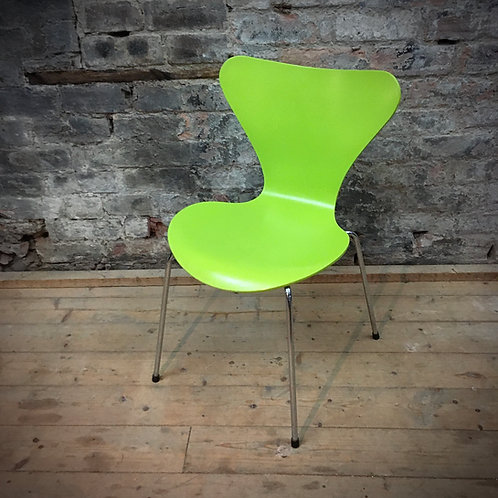 Arne Jacobsen Series 7 chair in Vernal Green SOLD