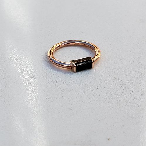 Onxy Baguette Bar Seam Ring
