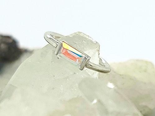 Mercury Mist Topaz Baguette Bar White Gold Seam Ring
