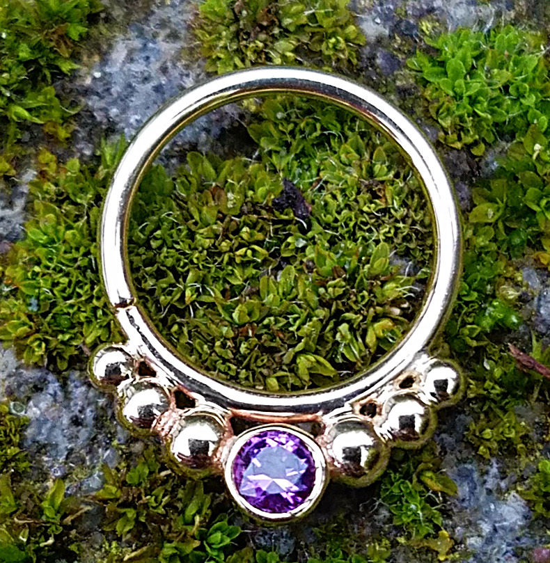 Body Vision septum in amethyst
