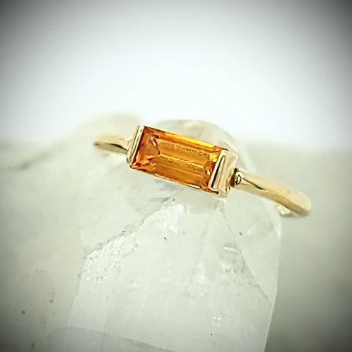 Citrine Baguette Bar Yellow Gold Seam Ring