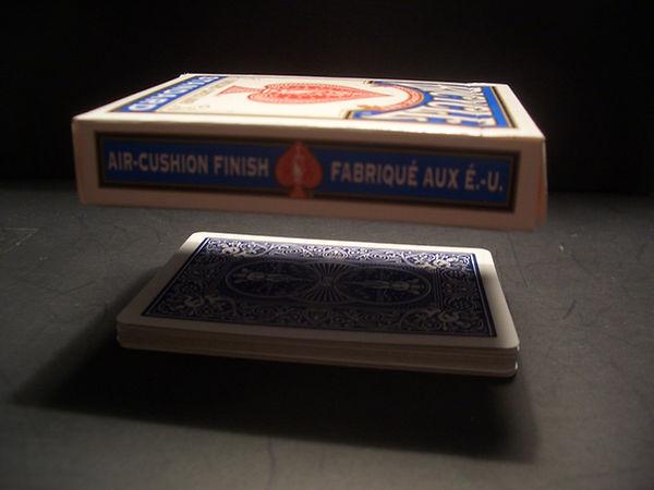 magic floating cardbox trick