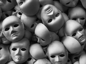 Máscaras sociais e amizade