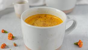"""Como fazer o poderoso """"leite dourado"""" da medicina ayurvédica?"""