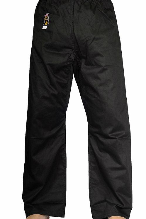 Zwarte broek, erkend door de IKMF.