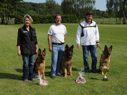Wolfsgrübler an der Frühjahrsprüfung in Reute beim Verein der Hundefreunde Radolfzell