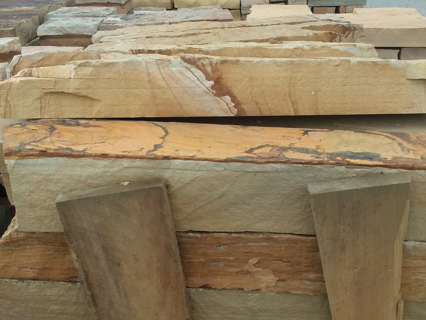 Brown and tan thick strip rubble