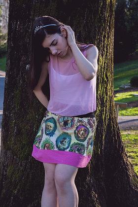 Falda corta hecha a mano con estampado perros. Diseñada y hecha a mano en Bilbao by Mariposas en invierno.