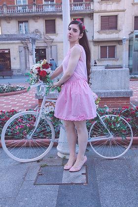 Falda midi hecha a mano rosa de ochos, imitación jersey. Diseñada y hecha a mano en Bilbao by Mariposas en invierno.