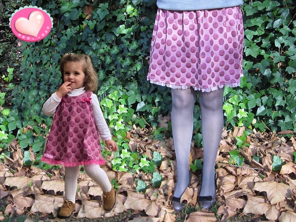 Vestido niña a juego con la falda Brillilunares de Mariposas en invierno, hechos a mano en Bilbao.