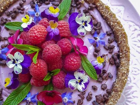 Raspberry mousse tart (plant-based, gluten free)
