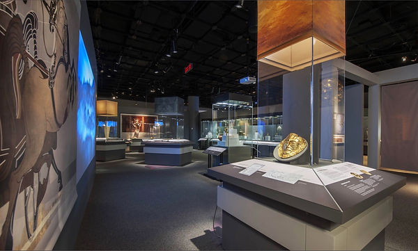 The Greeks, From Agamemnon to Alexander, Display cases