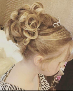 childs hair up
