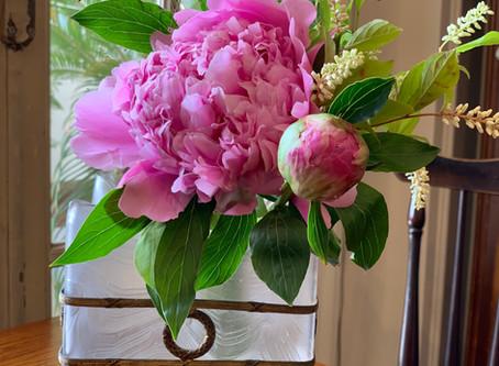 花とアンティークと〜芍薬