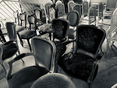 魅せられ、見せたい、アンティークの椅子。