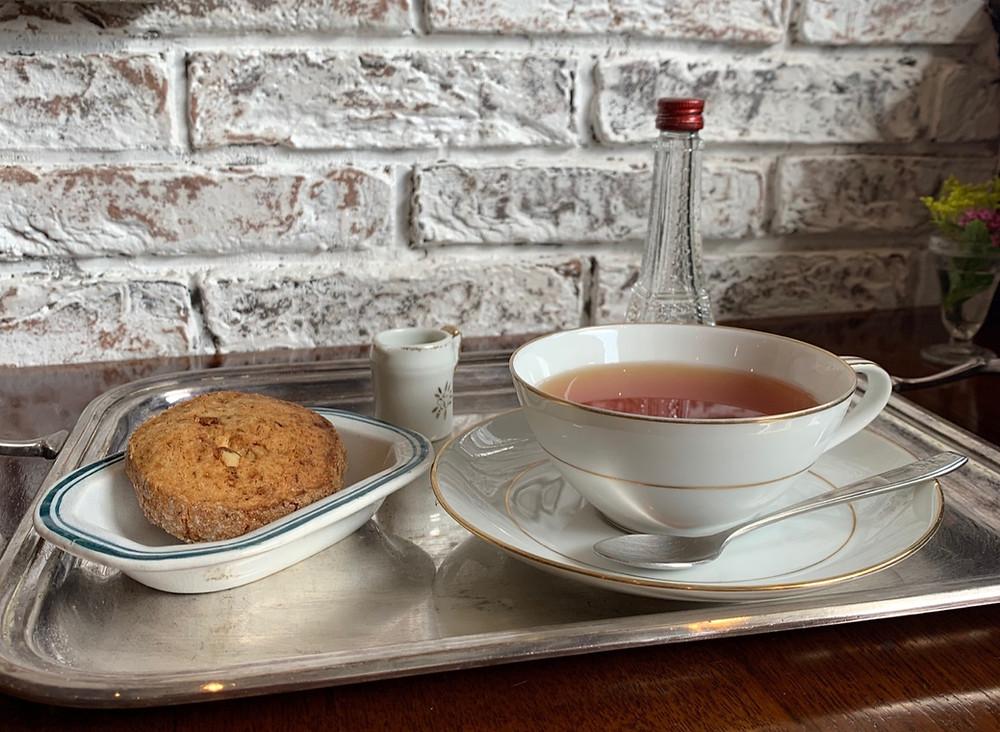 すべてのクラスにマジョレルカフェのお飲物(コーヒーor紅茶)とお菓子がつきます