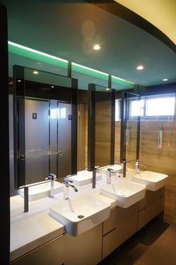 男性衛浴設備