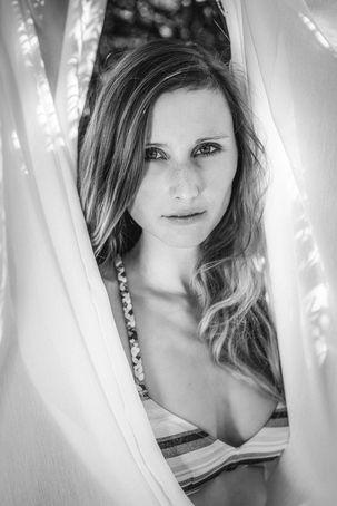 Seyme Boudoir portrait homeshooting sensual 46