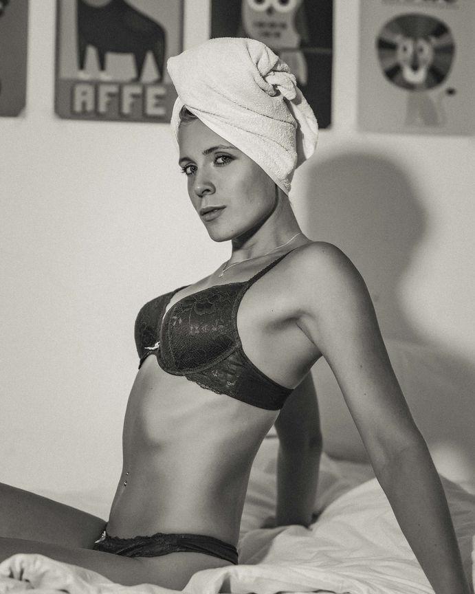 homeshooting sensual 34 Towel
