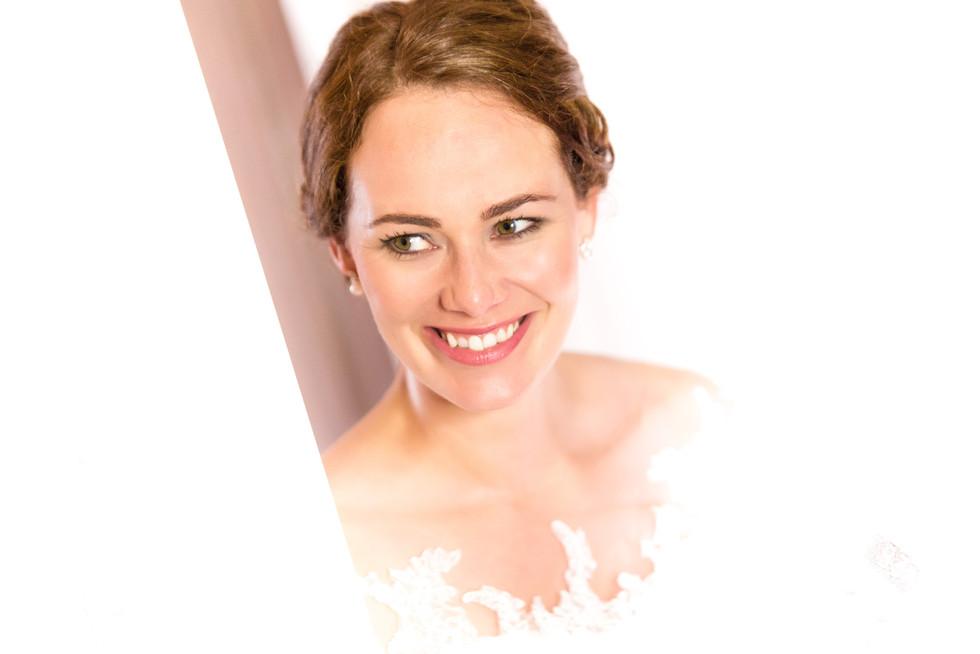 Seyme Hochzeitsfotografie portrait  Hotel Rittergut Osthoff 2 Bride