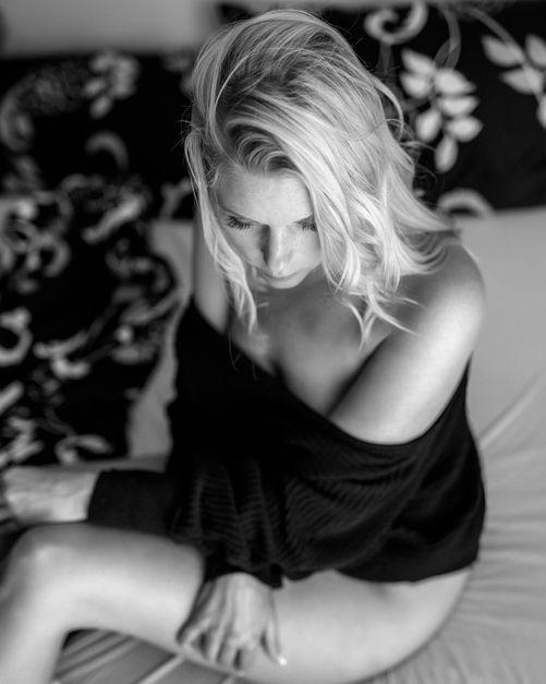 Seyme Boudoir portrait homeshooting sensual 12