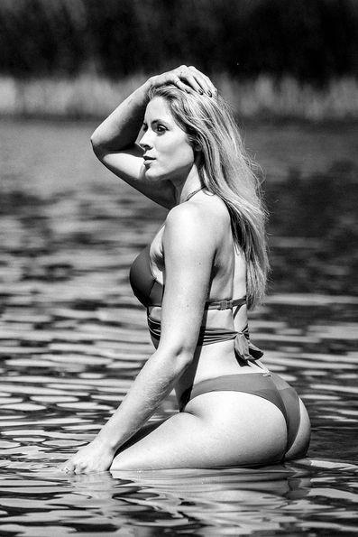 Beachshooting Wassershooting See Bikini sensual Haut Blonde.jpg