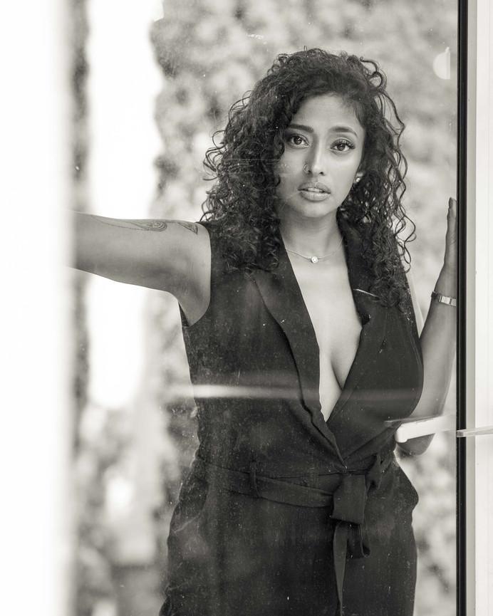 Sensual Lingerie indian girl haut (3).jpg
