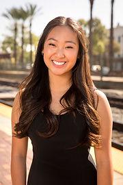 Lauren Kim headshot.jpg