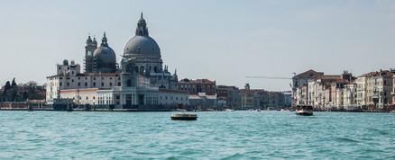 Venecia canal abierto, 2018