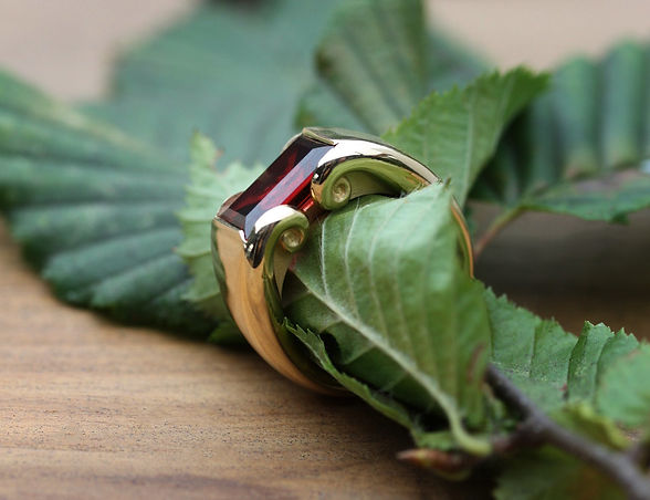 MaroeskaMetz_Jewels_Ring_Teuntje_leaf_03